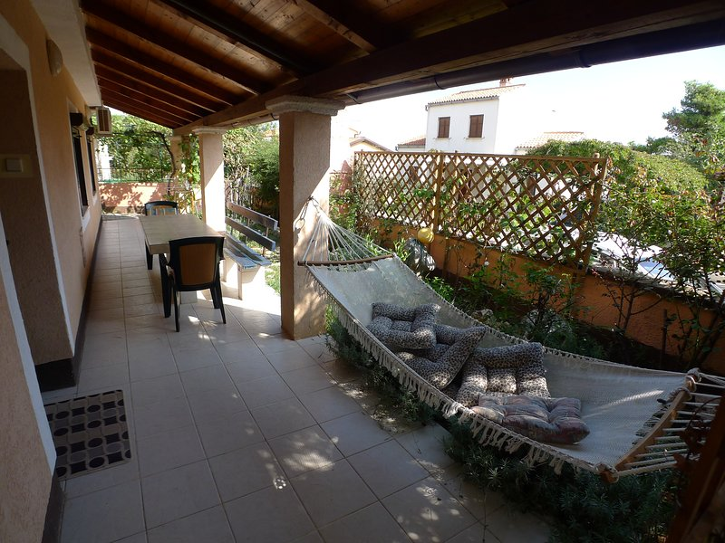 Apartment for 3 persons with beautiful terrace, alquiler de vacaciones en Premantura