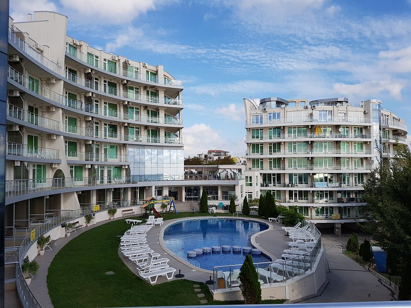 One-bedroom Apartment Park View, holiday rental in Shkorpilovtsi