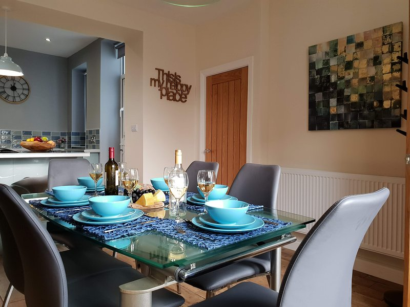 A modern and cosy 4 bedroom house in Kettlewell, casa vacanza a Kettlewell