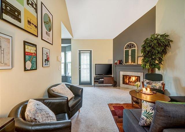 Quiet Residential Hideaway w/ Big Backyard - Near Grand Ole Opry, Ferienwohnung in Goodlettsville