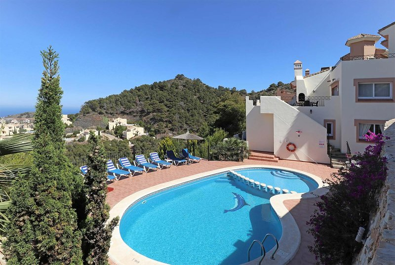 5 bed villa with panoramic views of lagoon, vacation rental in Portman
