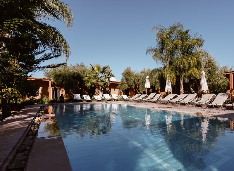 Villa with swimming pool & restaurant, holiday rental in Lagouassem