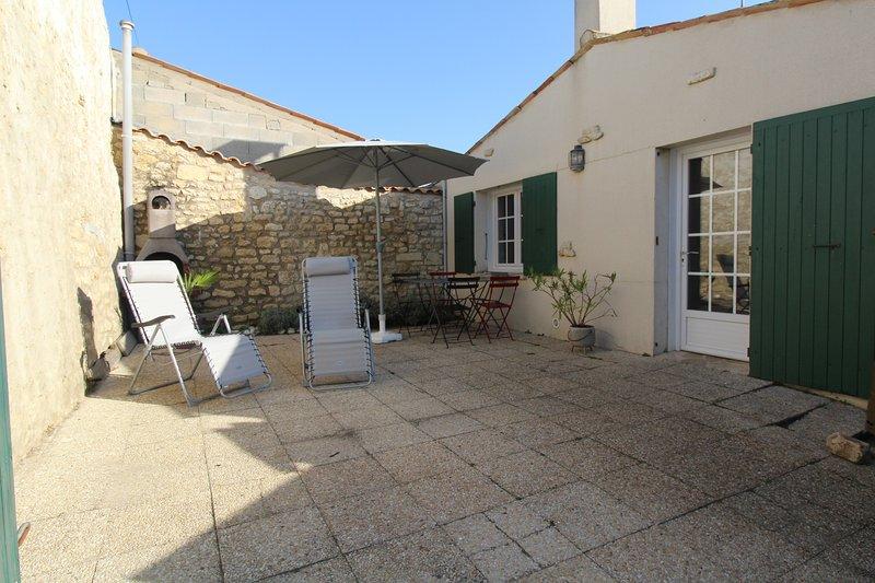 Maison de charme, village calme, 300 m de la mer, location de vacances à Saint-Pierre-d'Oléron