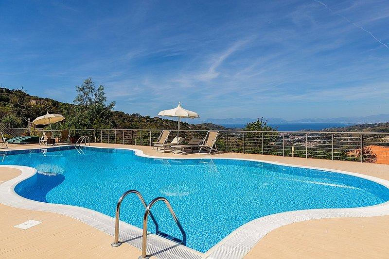 Villa Albatros D, holiday rental in Vatolla