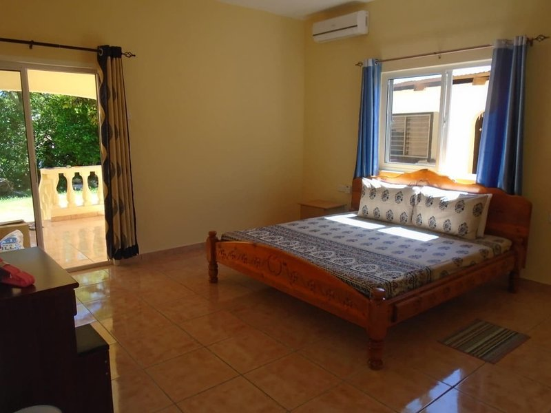 BADAMIER Suite 3mn from Beau Vallon beach, Mahé, vacation rental in Beau Vallon