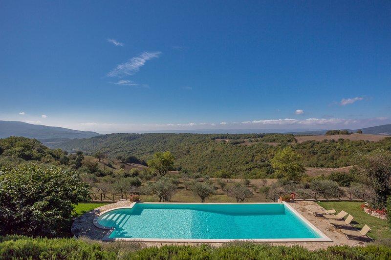 Titignano Villa Sleeps 12 with Pool - 5692905, holiday rental in Quadro
