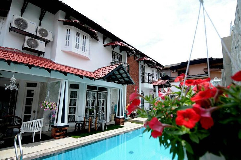 Twinvilla Shah Alam With Private Pool & BBQ, location de vacances à Shah Alam