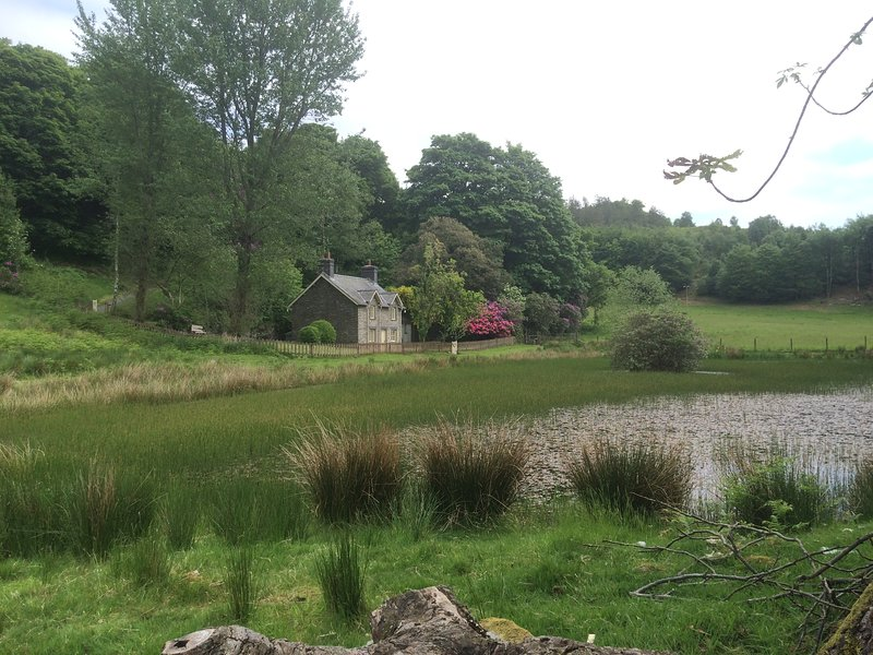 PWLL PENDRE/ HAWTHORN COTTAGE, vacation rental in Devil's Bridge (Pontarfynach)