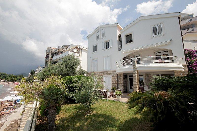 1bedroom apartmnet with terrace