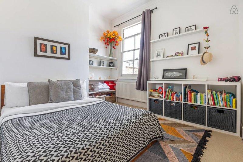 Dormitorio principal con cama king