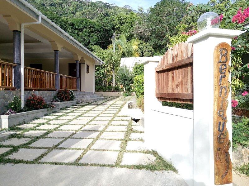 B & B Bernique Guesthouse - Fregate, location de vacances à La Digue Island
