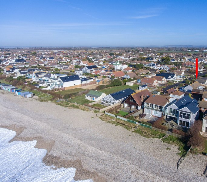 No 1 The Gee Gee, East Wittering, holiday rental in Bracklesham Bay