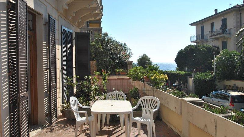 La Perla - Mt. 30 dal mare con terrazza vista mare, location de vacances à Castiglioncello