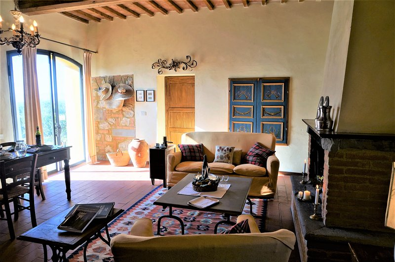 Charming Tuscan farm house - private pool - perfect for families and groups, alquiler vacacional en Palaia