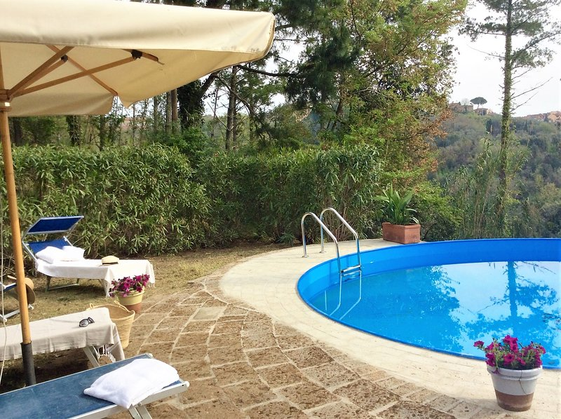 Charming Tuscan farm house - private pool - perfect for families and groups, holiday rental in Palaia