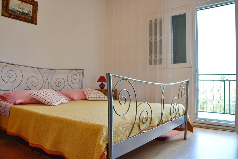 Poljica Kozicka Apartment Sleeps 3 with Air Con - 5471395, alquiler de vacaciones en Poljica