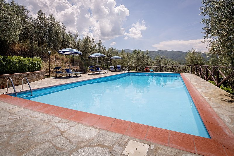 Sant'Enea Villa Sleeps 7 with Pool and WiFi - 5718012, vacation rental in Pieve di Chio