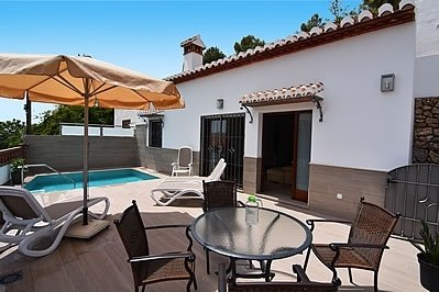 Nerja Villa Sleeps 4 with Pool and Air Con - 5717750, holiday rental in Nerja