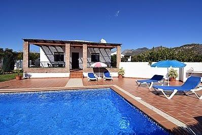 Nerja Villa Sleeps 4 with Pool and Air Con - 5717752, holiday rental in Nerja