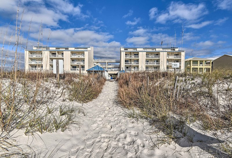 Sugar-white sand stretches off to the Gulf of Mexico!