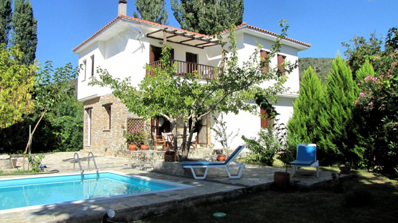 Eleni Villa 1 Ground Floor Horto Pelion, holiday rental in Potistika