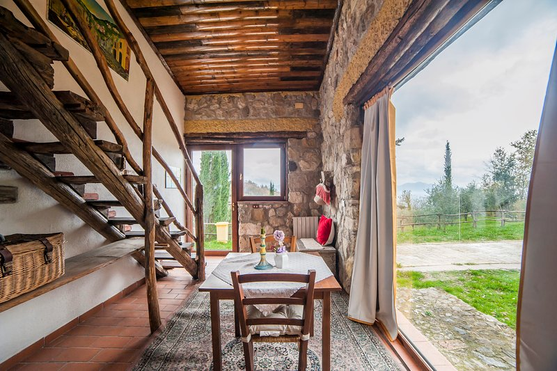 Suite Afrodite stonehouse room in the woods, holiday rental in Castelvenere
