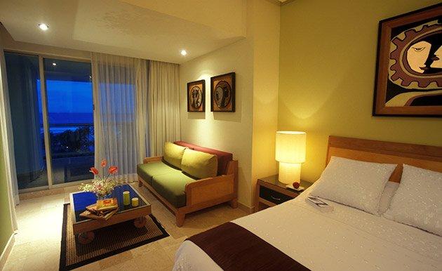 Grand Mayan Master Room at Vidanta Acapulco, vacation rental in Acapulco