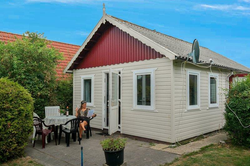 Het kleine nestje home close to the National Park Lauwersmeer, Ferienwohnung in Anjum