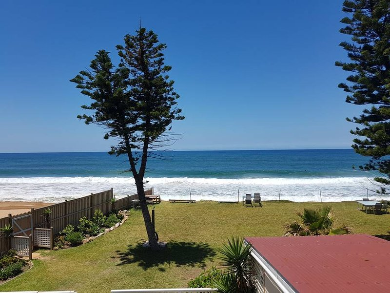 Apartment 8 · Direct beachfront sunrise apartment; Apt 8, holiday rental in North Narrabeen