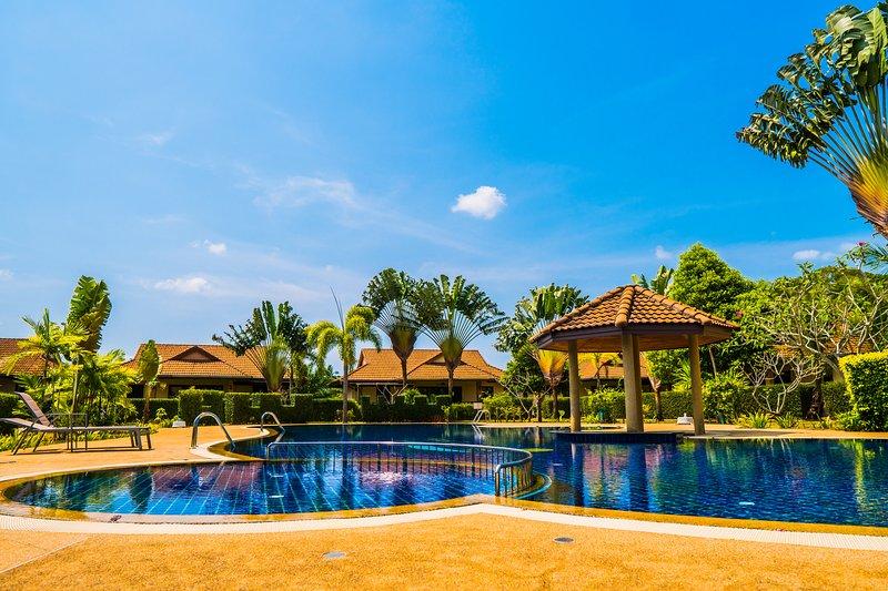 2 Bedroom Pool Villa Mali, holiday rental in Pak Nam