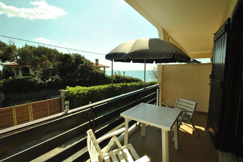 Fattoria nel Parco,on the sea - pool - FATTORIA NEL PARCO - Studio on the 1° flo, holiday rental in Rosignano Solvay