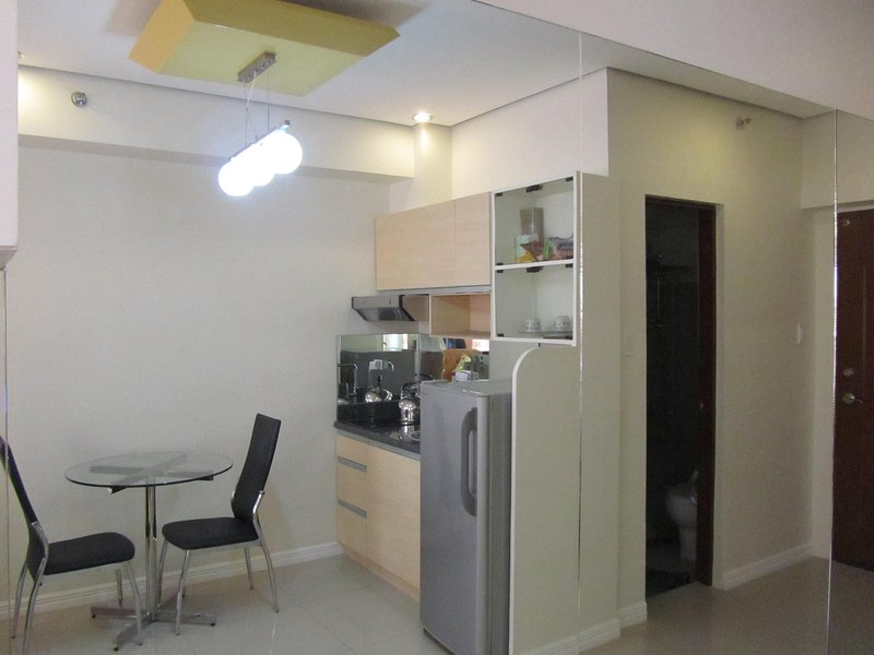 The Beacon Makati 3306 B( Roces Tower), vacation rental in Makati