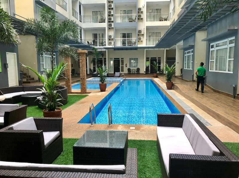Beautiful condo in the new La Grande resort, vacation rental in Pampanga Province