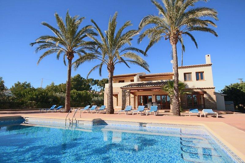 Villa Bellita - Costa CarpeDiem, holiday rental in Llosa de Camacho