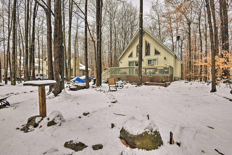 ¡Deja que esta casa de campo de Pocono Lake sea la base para tu próxima escapada!