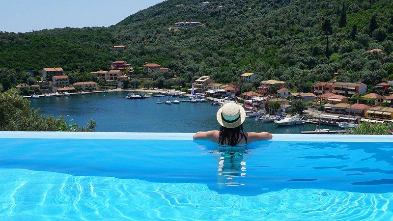 Ktima Aniforeli - Villa Daphne • No car required, holiday rental in Evgiros
