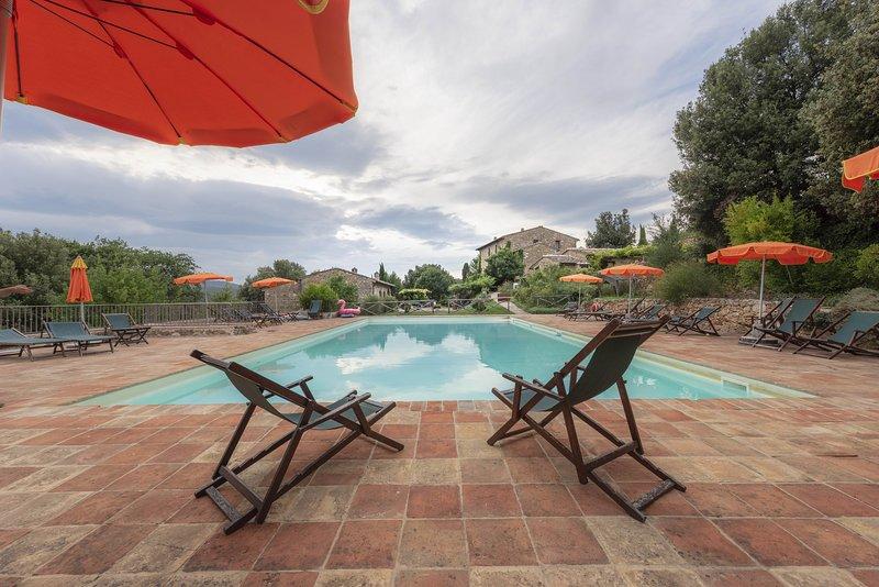 Casole Elsa, country house,Chianti,Co,terrace,swimmingpool,child-friendly,Wi-Fi, alquiler vacacional en La Selva
