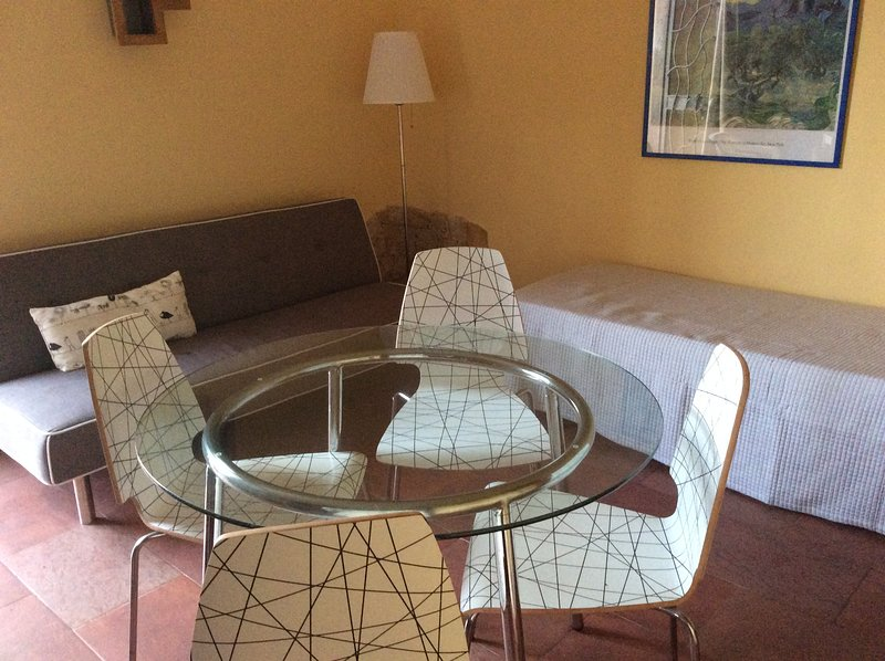 Beautiful apartment with balcony, holiday rental in Trappitello