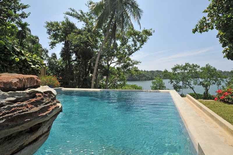 Crocodile rock villa - A stunning villa by the famous Koggala lake in Galle ,, vacation rental in Koggala