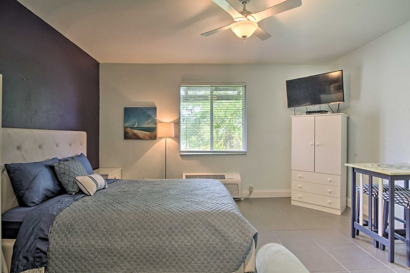 Relax with your loved ones in this 1-bath studio vacation rental.
