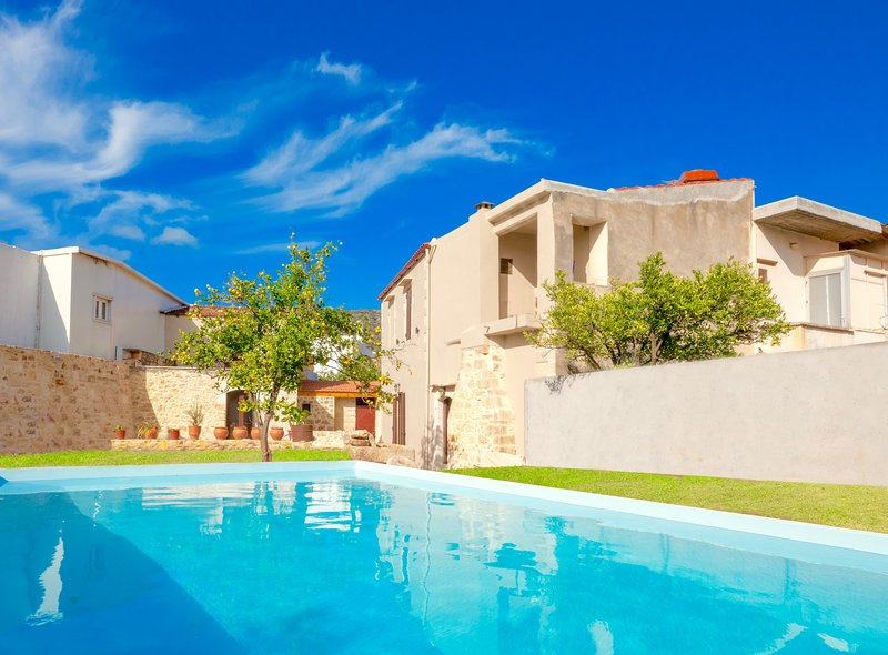 Lucas Village House with private pool, vacation rental in Melidoni