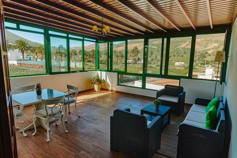 Casa Crisana | Quirky spacious villa set in the sleepy village of Haria., location de vacances à Hembert