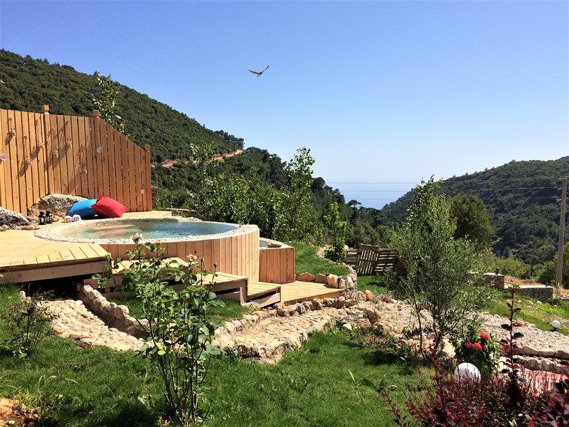 Ambar Log Cabins.. Ceviz Cabin, holiday rental in Bezirgan