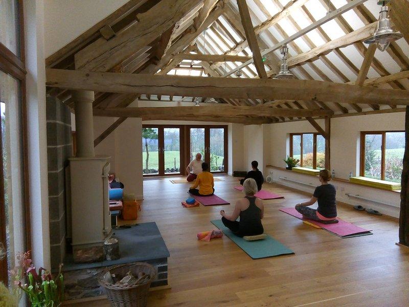 Sesiones de yoga y meditación a medida según nuestro hermoso Studio-W