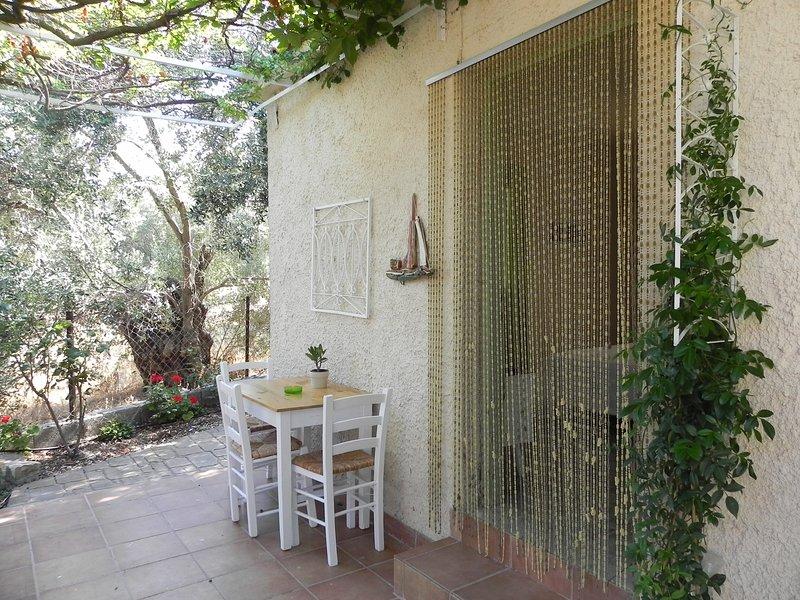 'Akis' Zimmer am Traumstrand Tarti, Ferienwohnung in Varia