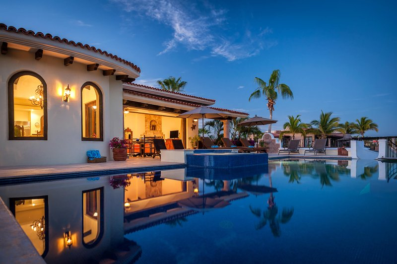 Take advantage of the expansive infinity pool and the Jacuzzi!