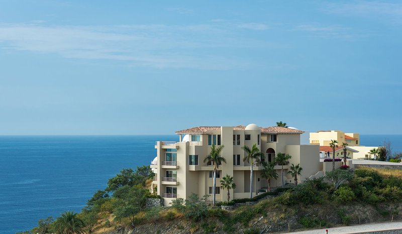 ¡Tendrá una estancia inolvidable en Los Cabos cuando se hospede en Villa del Mar!