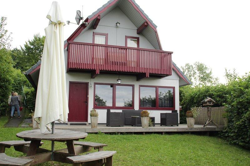 4**** Ferienhaus am See im hessischen Bergland, vacation rental in Fulda