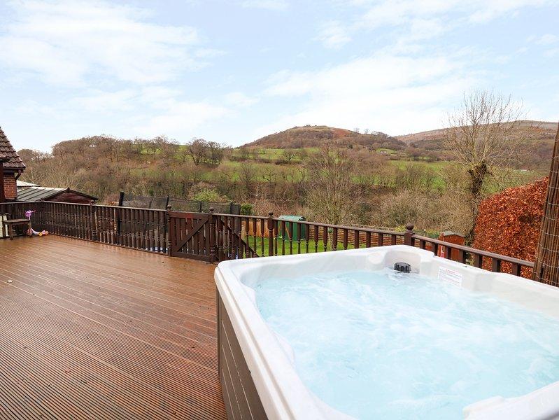 TALGAIS, WiFi, double Jacuzzi bath, Llangollen, holiday rental in Llangollen