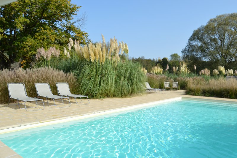 heated 12m 28c pool